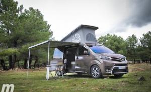 ¿Puedo acampar o aparcar en cualquier sitio con una camper?