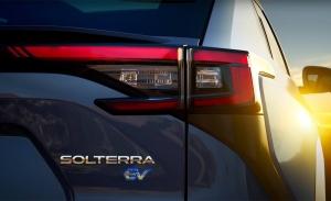Un nuevo adelanto muestra al esperado Subaru Solterra en movimiento