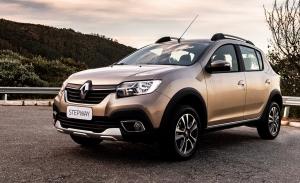 Colombia - Agosto 2021: El Dacia Sandero Stepway se cuela en el podio