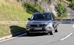 Nuevas fotos espía de los Volkswagen T-Roc y T-Roc R Facelift 2022 sin camuflaje