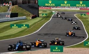 Alpine, contraria a Mercedes: la F1 necesita más marcas, no un tercer coche por equipo