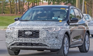 Dos prototipos del Ford Kuga Facelift 2023 cazados con todo lujo de detalle