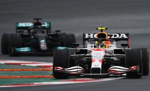 [Vídeo] La defensa que puede valer un título: así peleó Pérez contra Hamilton