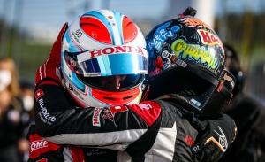 Néstor Girolami lidera el doblete de Honda en la primera manga de Most