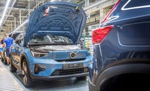 El nuevo SUV eléctrico de Volvo, el C40 Recharge, ya está siendo producido en Europa