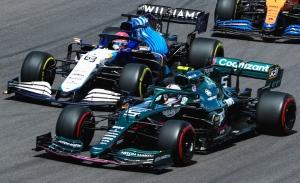 Vettel y Russell, cambio de motor y penalización en Austin