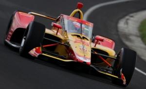 Grosjean y Johnson superan su primer test en Indianápolis pese a la lluvia