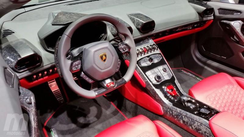 Lamborghini Huracán RWD Spyder - interior